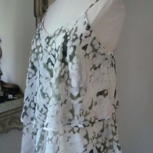Adorable ruffled  top Size Small